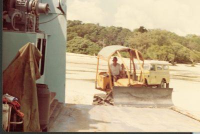 Towing-car-on-board-Moreton-Venture