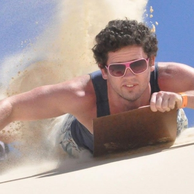 Sandboarding-action-1000x600