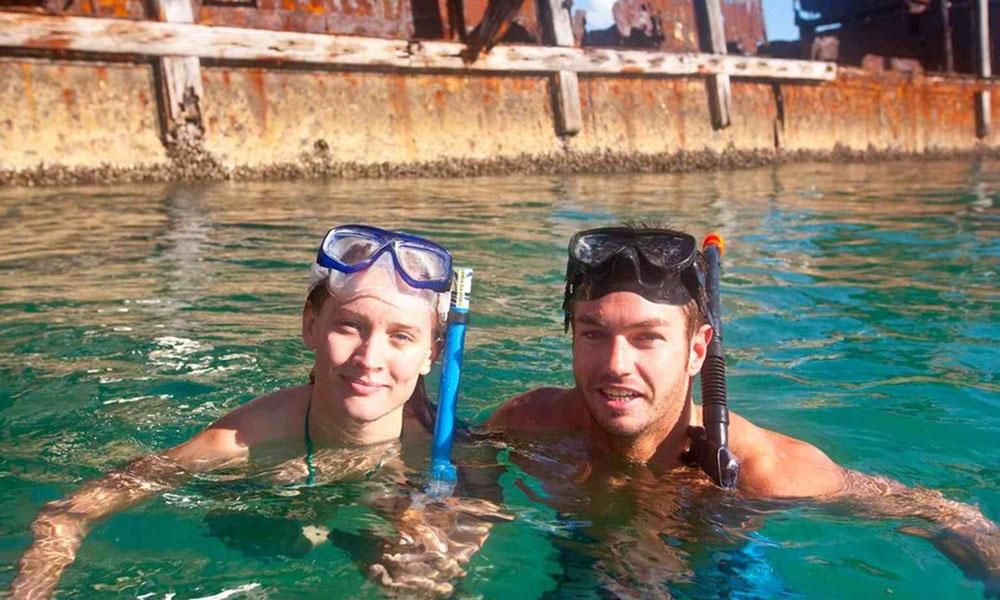 Moreton Island - Snorkel Couple