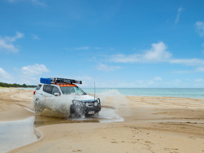 4wd on moreton beach